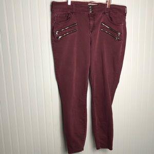 Torrid maroon zipper pocket skinny jeans